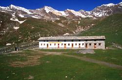 Il rifugio Vittorio Sella in estate